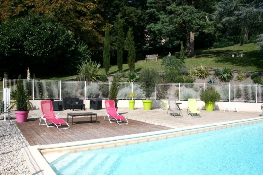 Chambre de bertille pouzauges location saisonni re en for Piscine pouzauges